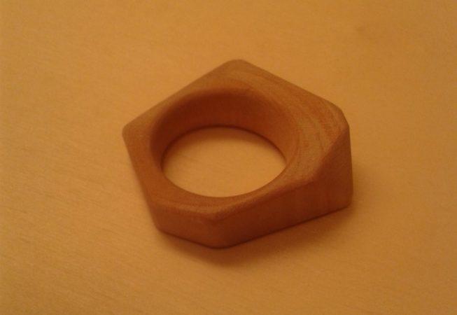 Anello in legno di olivo